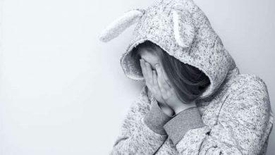 Donna colpita da depressione post-partum
